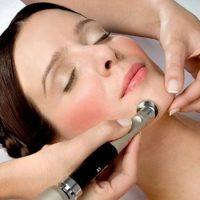 Terapie complexă: Microdermabraziunea